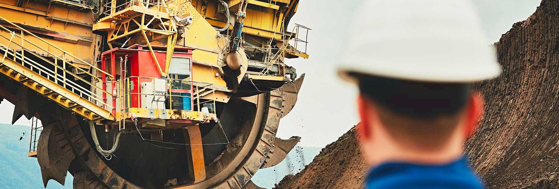 Open pit bucket-wheel excavator