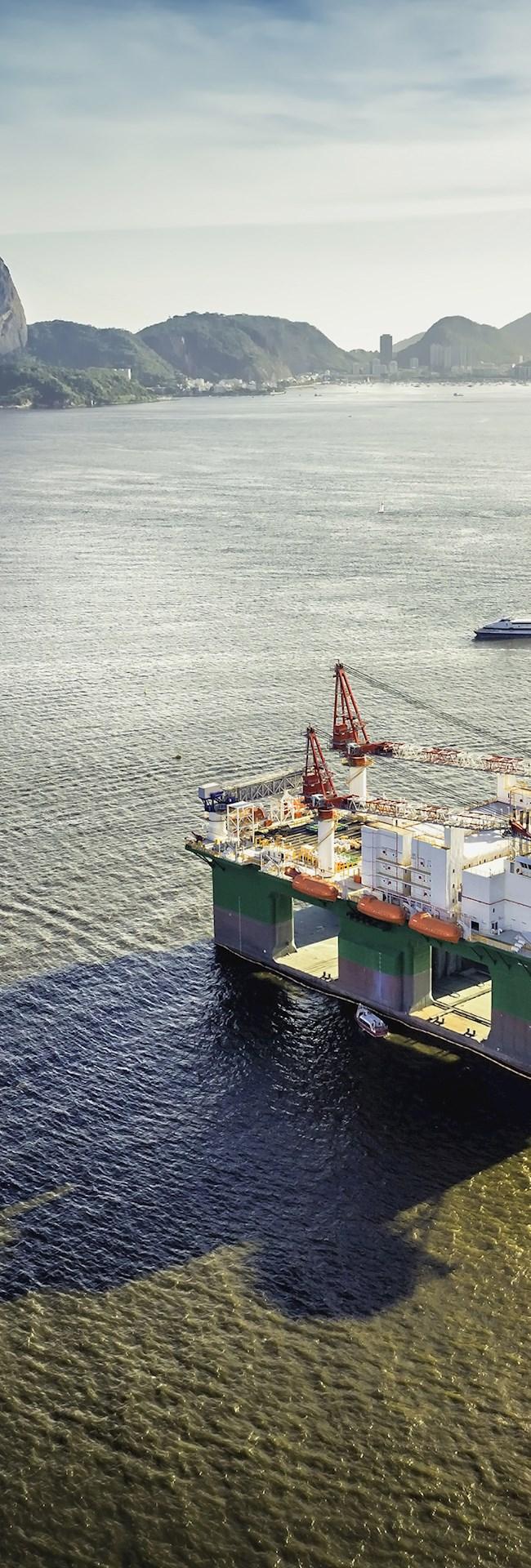 oil drilling rig in Rio