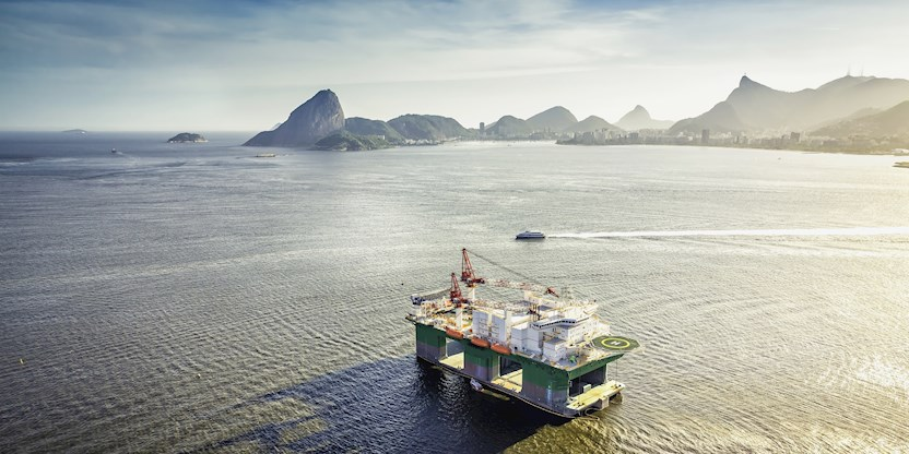 oil drilling rig in Rio