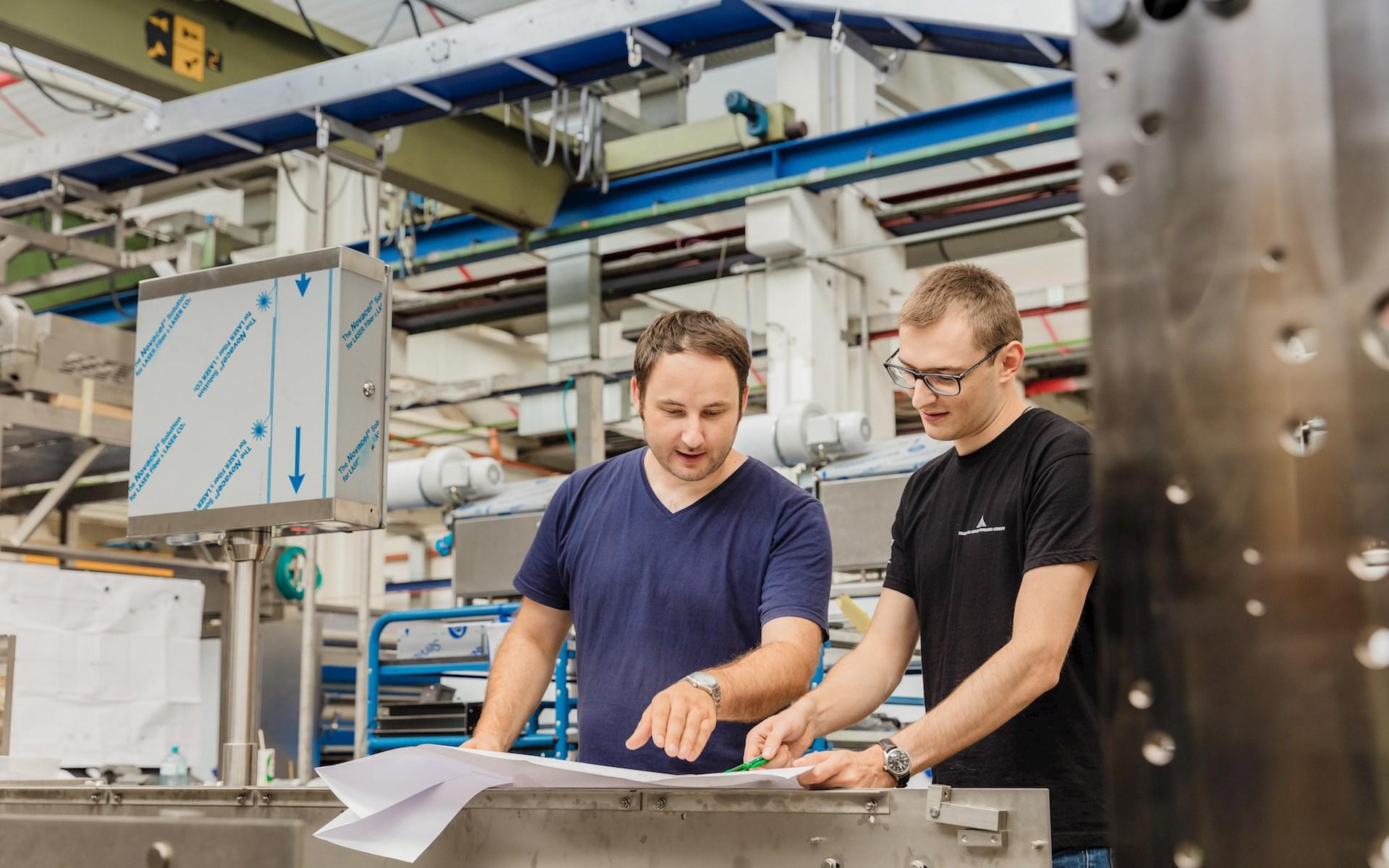Brunel Mitarbeiter aus Ulm am Arbeitsplatz