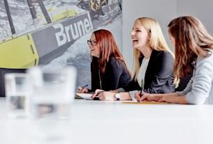 Zusammenarbeit bei Brunel bedeutet Leistung und Spaß