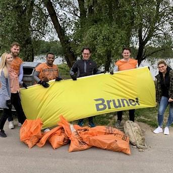 Müllsammelaktion am Rhein