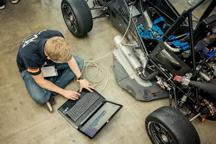 Im Rahmen des Brunel PreTesting Events können Formula Student Teams ihre Konstuktionen schon einmal testen.